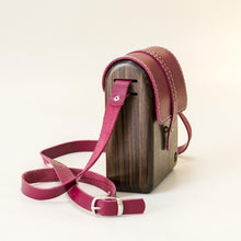 Load image into Gallery viewer, Wooden rustic natural handmade bag