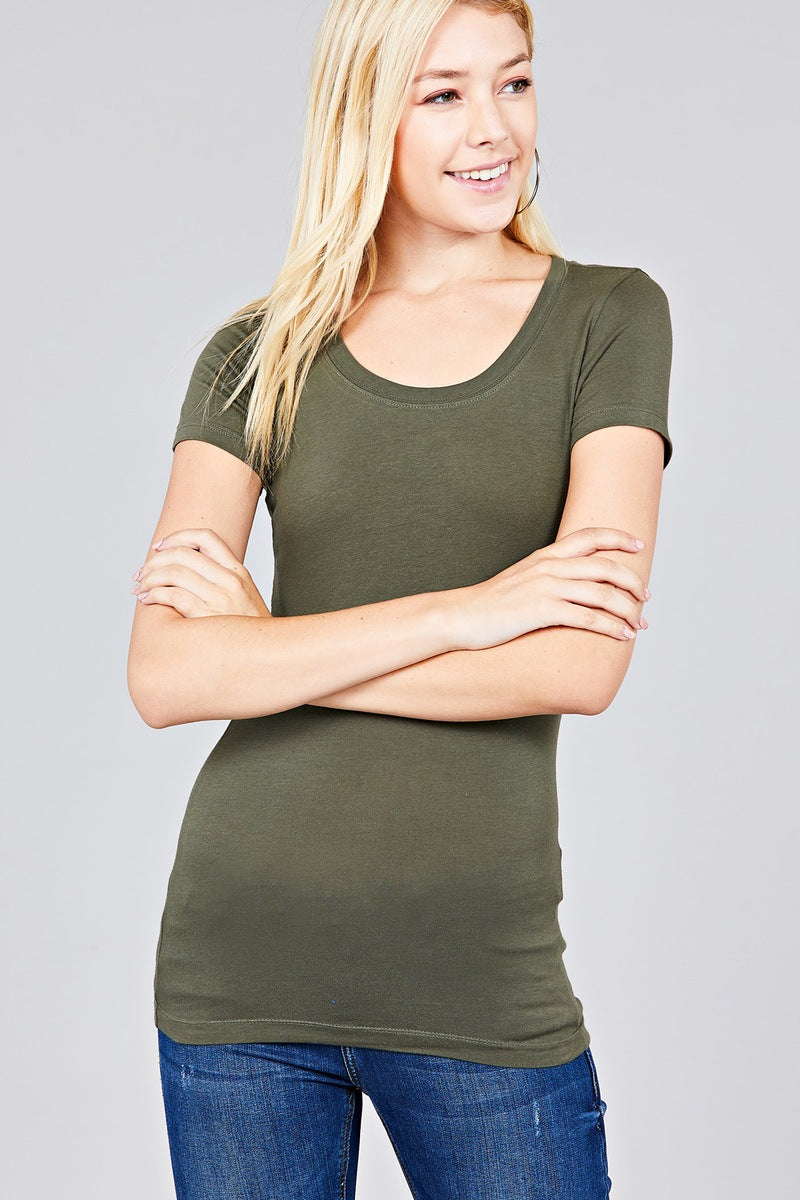 Basic Short Sleeve Scoop-neck Tee - Miranda's Paparazzi Style