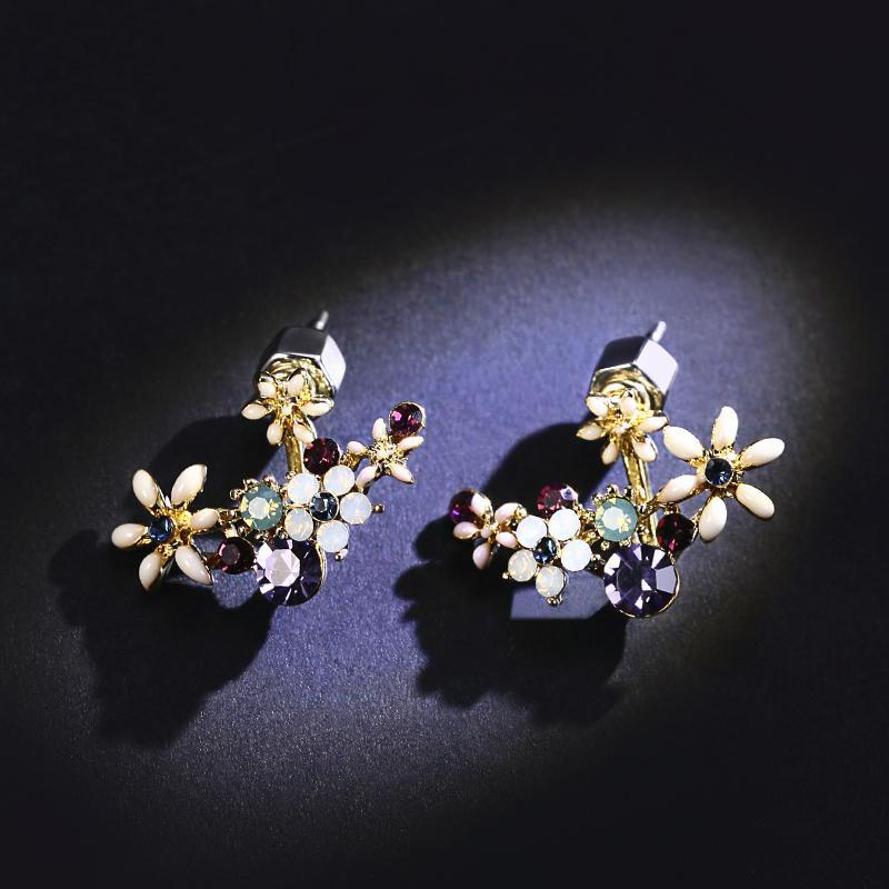 Three-dimensional petal sweet small earring
