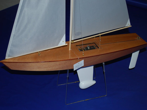 Wooden Model Sailboat: Table Stand for T27 RC Sailboat