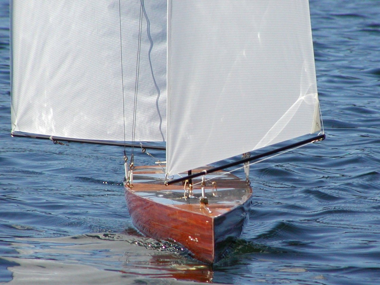 T50 Radio Controlled Racing Sloop