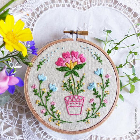 "Flowerpot 4"" Embroidery Kit"