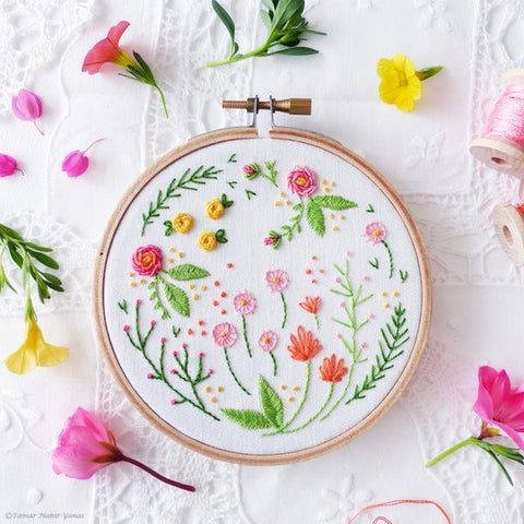 "Happy Garden 4"" Embroidery Kit"