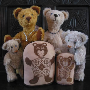 Quaker Teddy Bears - Cross Stitch Pattern