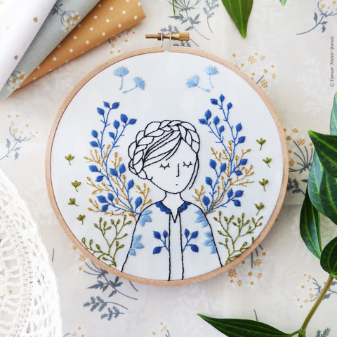 "Dreamy Lady 6"" Embroidery Kit"