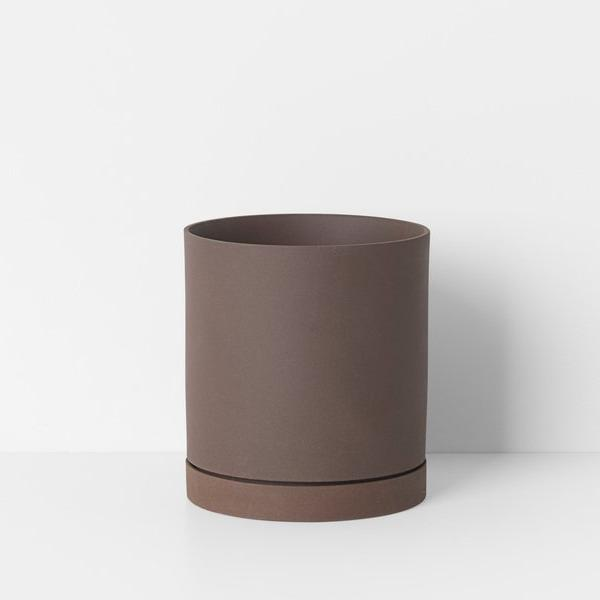 "6"" Ferm Living Sekki Pot in Rust"