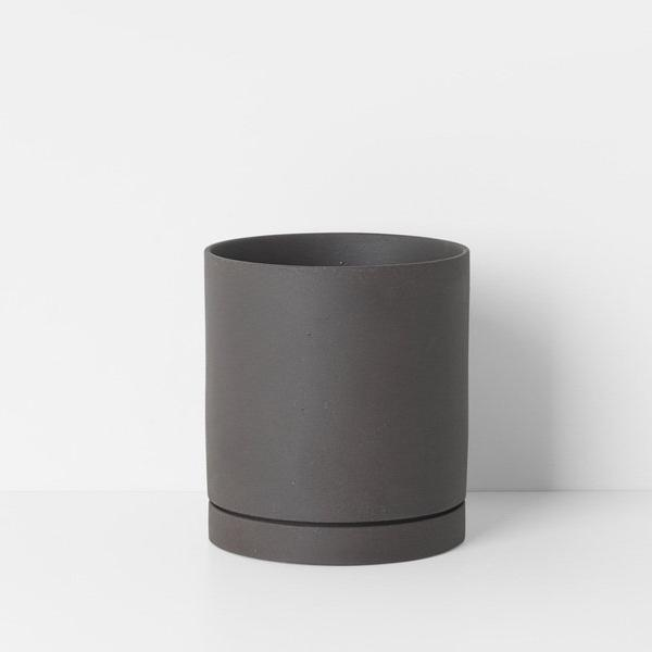 "6"" Ferm Living Sekki Pot in Charcoal"