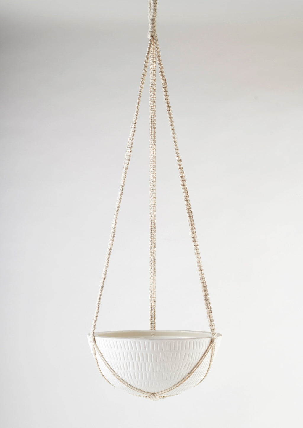 "12"" Angus & Celeste Macrame Hanging Planter in White"