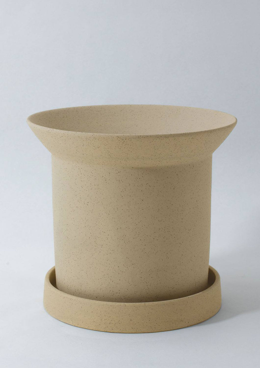 "7"" Angus & Celeste Sandstone Pot in Buff"
