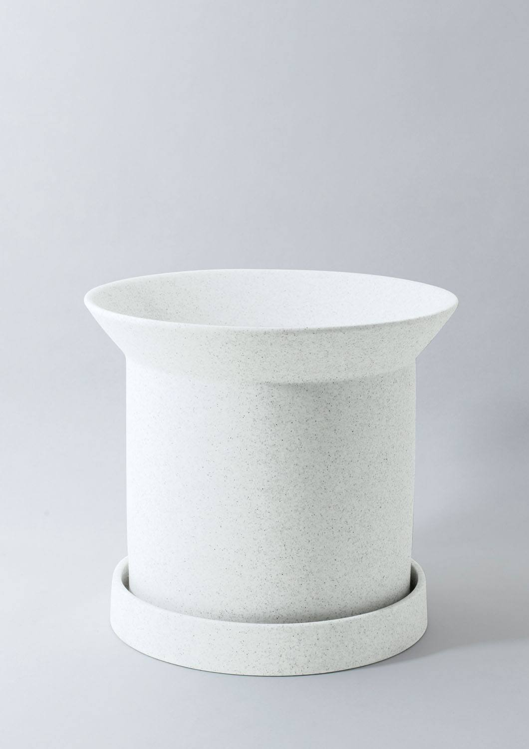 "5"" Angus & Celeste Sandstone Pot in Speckled White"