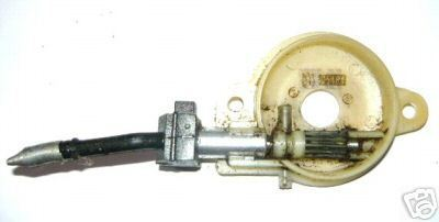 Husqvarna 142 Chainsaw Oil Pump Oiler Assembly