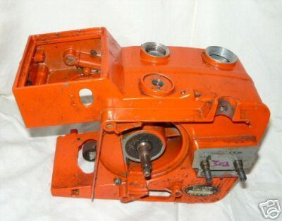 Echo CS-302 Chainsaw Crankcase Tank w/Crankshaft Rod +