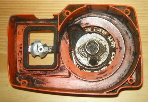 Echo CS-601S Chainsaw Starter / recoil cover and pulley assembly