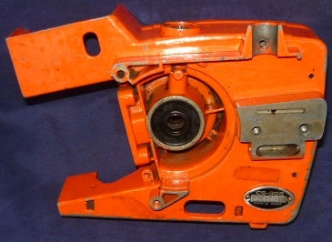 echo cs-302 chainsaw crankcase half #2 (right side)