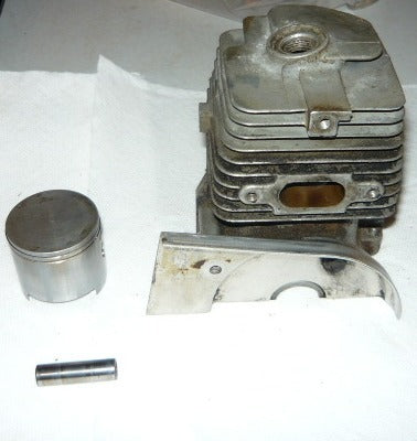 Homelite 330 Chainsaw Piston and Cylinder Assembly