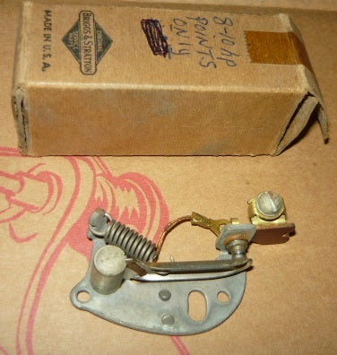 briggs and stratton breaker points pn 29667 new (B&S box 3)