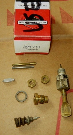 briggs and stratton carb prepack parts pn 394693 #2 used (B&S box 2)