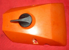 "dayton 14"" model 4z109 chainsaw air filter cover and knob (loc: poulan 2000 bin)"