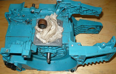 makita dcs 9000 chainsaw complete crankcase housing with crankshaft and rod