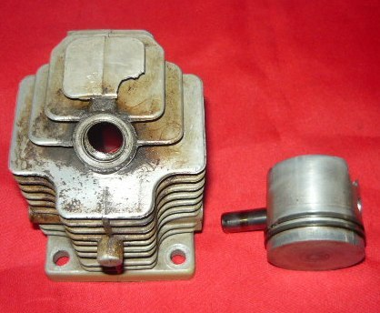 Pioneer Holiday 970 Chainsaw Piston & Cylinder Assembly