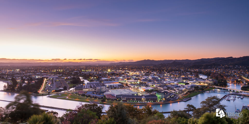 Dawn overlooking Gisborne City, Titirangi Domain