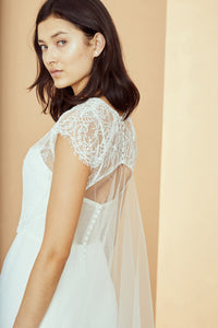 R331TO - Chantilly lace short sleeve top