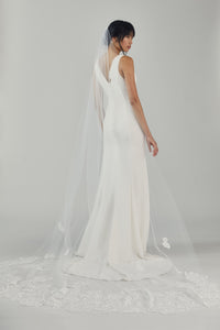 R292U - Cathedral length veil with Chantilly petals