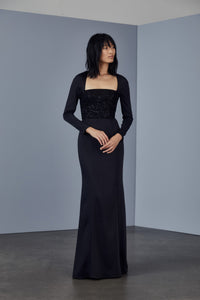 P383 - Stretch crepe gown