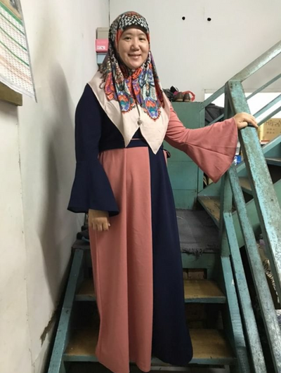 brunei muslim woman review hijab fashion clothing brand Veralia