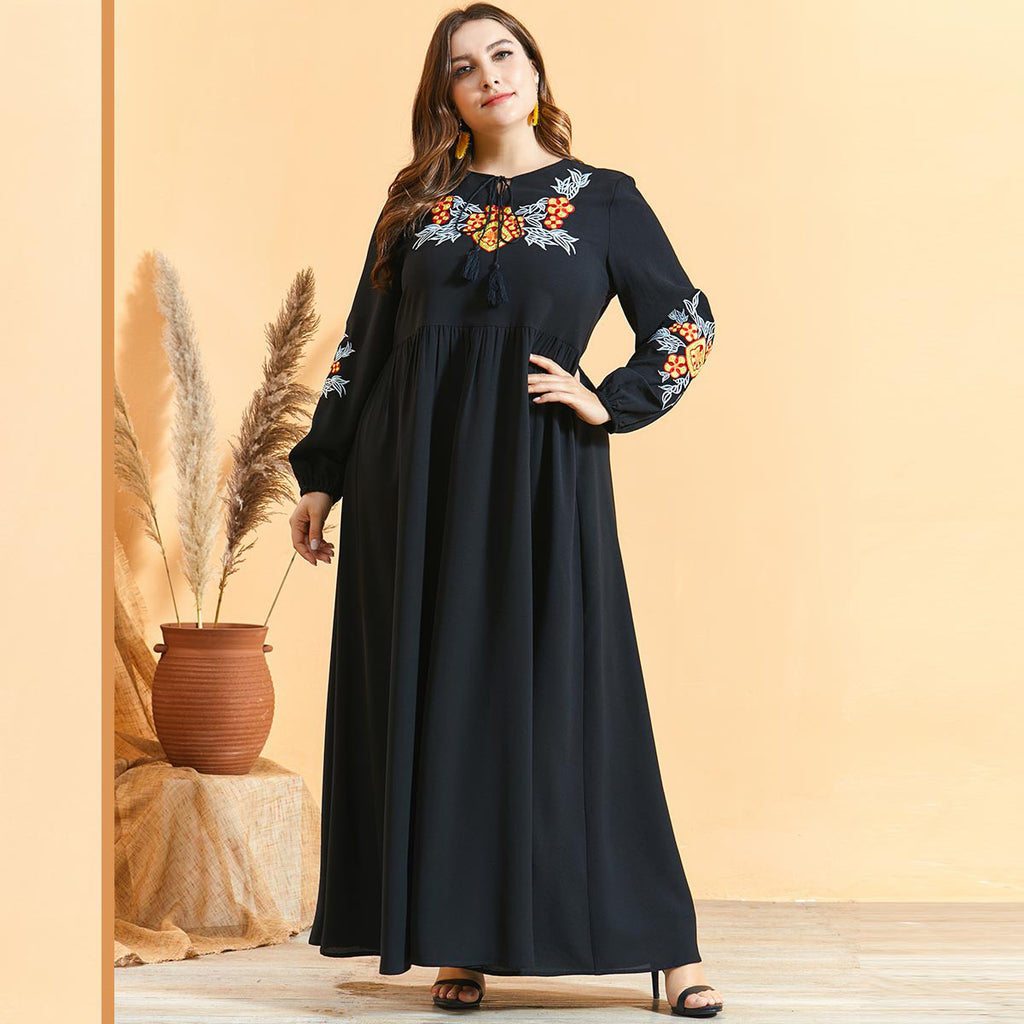 Nu'aymah Plus Size Black Embroidery Jubah