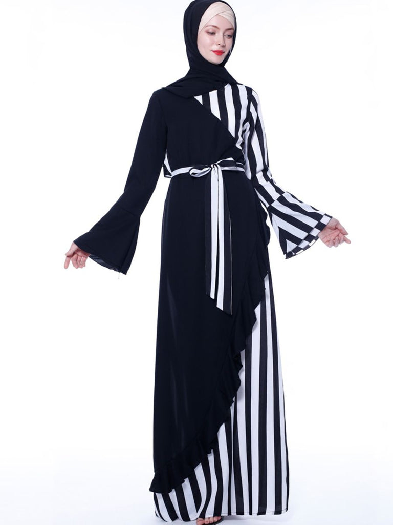 Nasimah Plus Size Monochrome  Stripes Layer Abaya