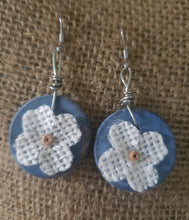 "Load image into Gallery viewer, Earrings - Circle 1"" - Burlap Flower"