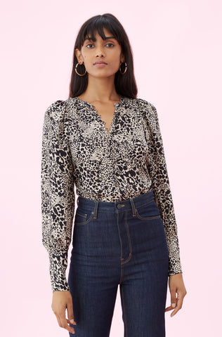 Hidden Leopard Jacquard Top in Champagne Combo