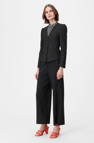 Tailored Clean Suiting Jacket in Black