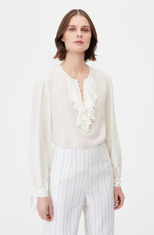 Tailored Scalloped Embroidered Top in Snow