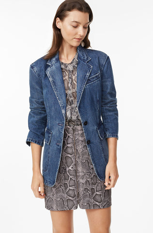 La Vie Classic Denim Jacket in Nadine Wash