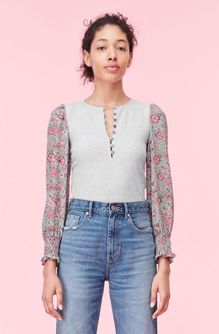 La Vie Camila Floral Sleeve Tee in Heather Grey Combo
