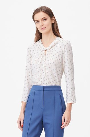 Tailored Clover Print Twist Neck Top in Snow Combo
