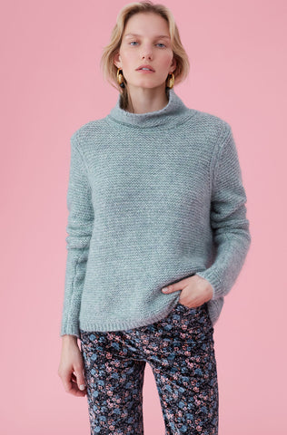 La Vie Lofty Links Turtleneck Pullover in Juniper Frost