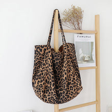 Load image into Gallery viewer, Women's Leopard Print Shoulder Bags