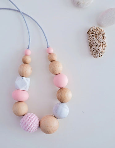 modern mommy breastfeeding and teething necklace pink