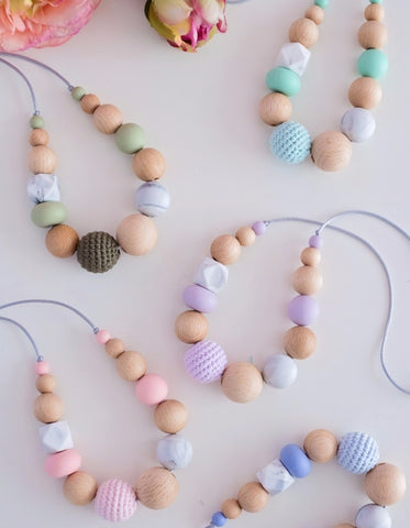 modern mommy breastfeeding and teething necklace