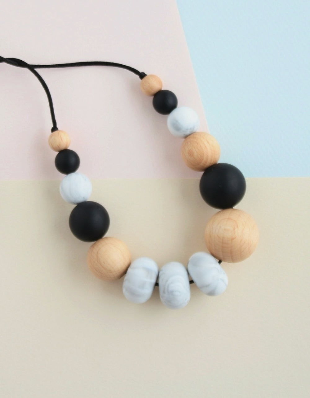 breastfeeding or teething mommy necklace classic