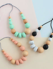 breastfeeding or teething mommy necklace