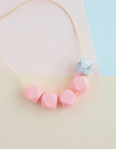 teething and breastfeeding necklace for mothers pink