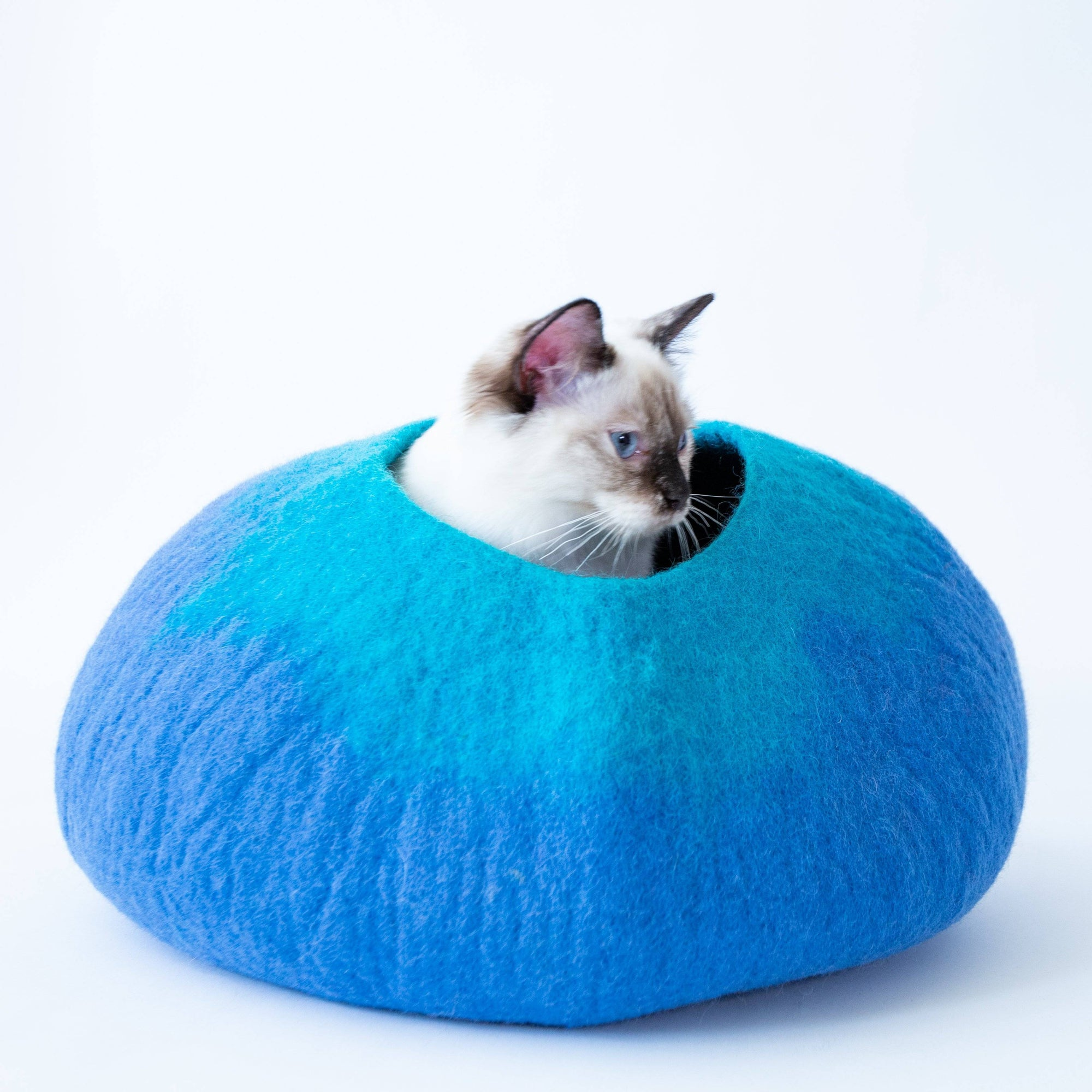 Blue & Turquoise Cat Cave | Pet Bed