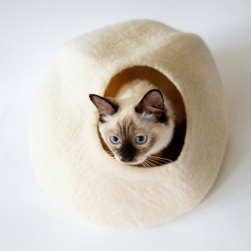 White Cat Cave | Pet Bed