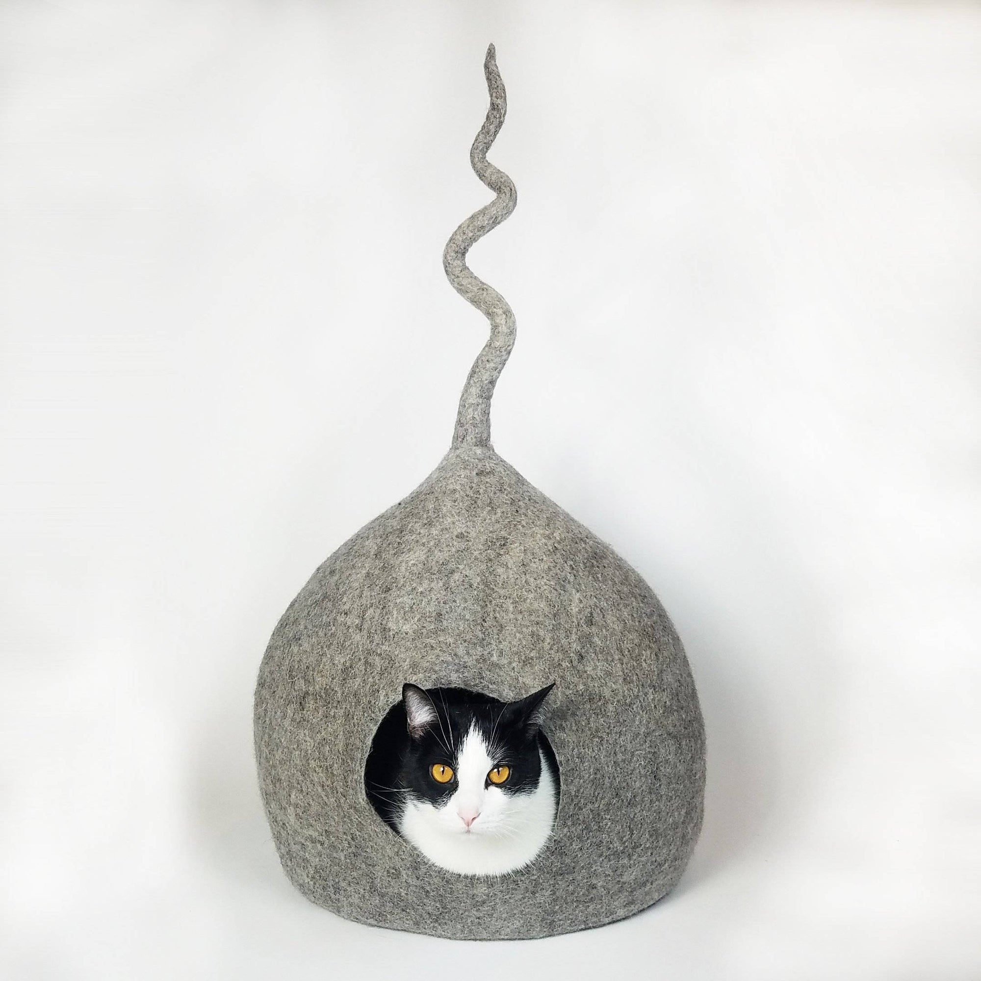 3D Grey Tail Cat Cave | Pet Bed