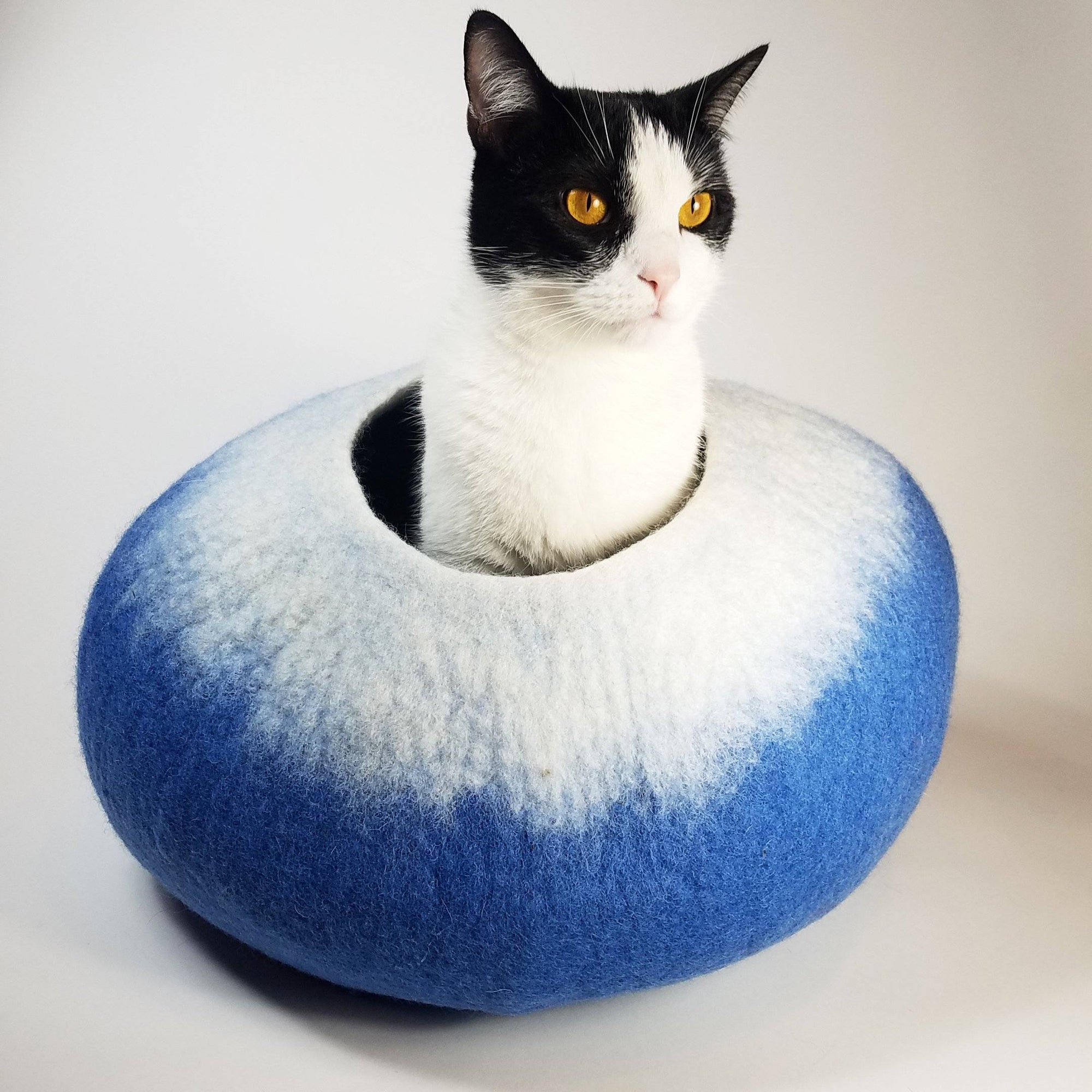 Ocean Blue & White Cat Cave | Pet Bed