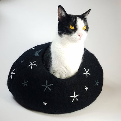PRE-SALE | Starry Night Cat Cave | Pet Bed